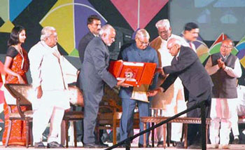 Gujarat Garima Awards 2004 - Awarded To Dr. Dinesh Patel
