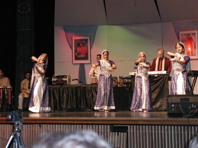 Ekal Vidyalaya Presents Sangeet Sandya