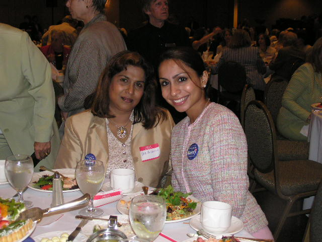 Indian American Women Raise Funds To Support Kerry