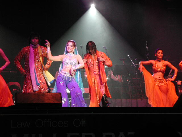 Bollywood Star And Tufts Graduate Amisha Patel Delights Boston Audiences