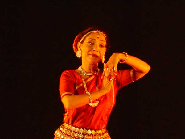 Madhavi Mudgal Performs Odissi At National Heritage Museum