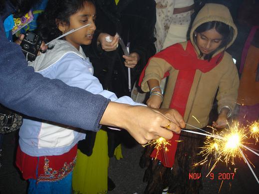 Chinmaya Mission Raises $850K And Celebrates Diwali 2007