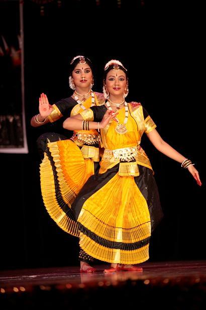 Arangetram - Dance: Meenu Rajendraprasad And Niveda Baskaran