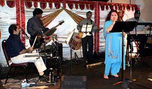 Kehkashaan: Live Bollywood Band