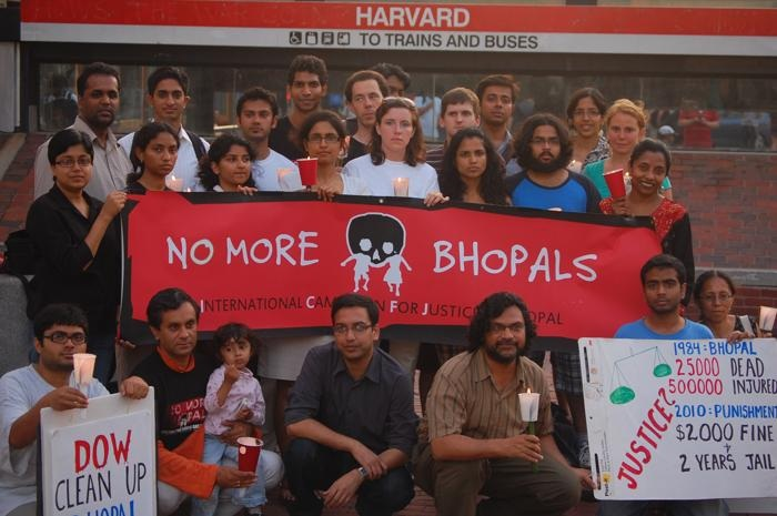 Cambridge Protest Against 26 Years Of Bhopal Gas Survivors