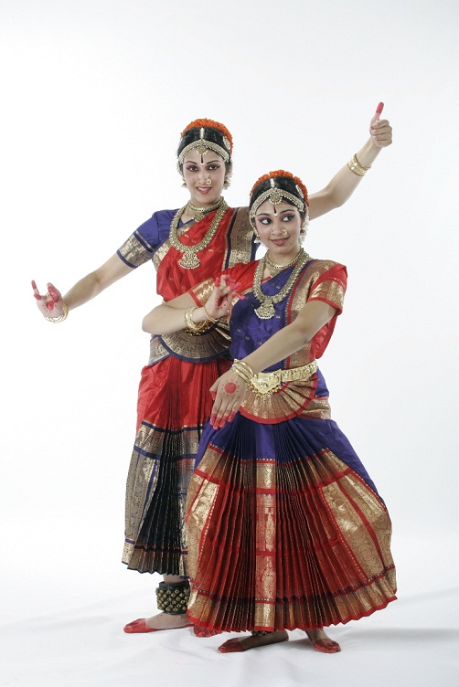 Double Delight – Bharatanatyam Arangetram Of Swathi And Bhavna Sivasubramanian