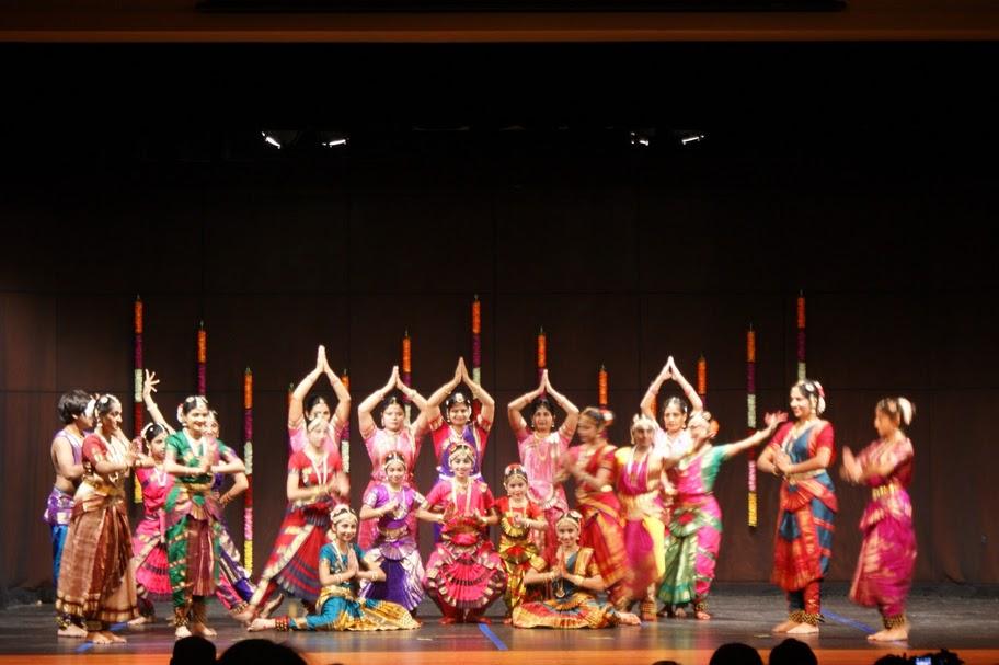 Rasrang School Stages Bharatanatyam Recital