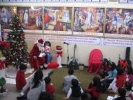 Santa Visits Dwarkamai Sai Baba Temple