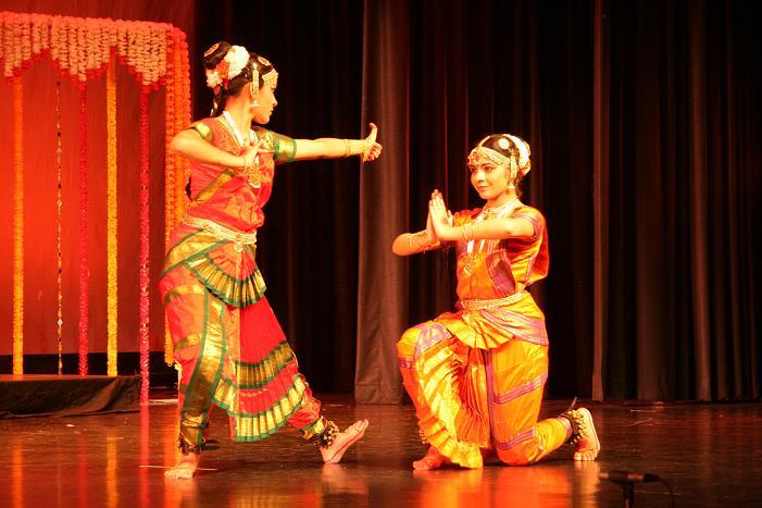 Nritya Nipuna: Shikha And Shivangi Pandey
