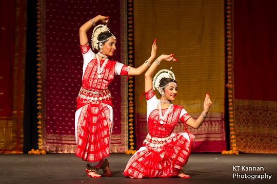 Manch Pravesh: Avani Bhavsar And Nimisha Thakkar