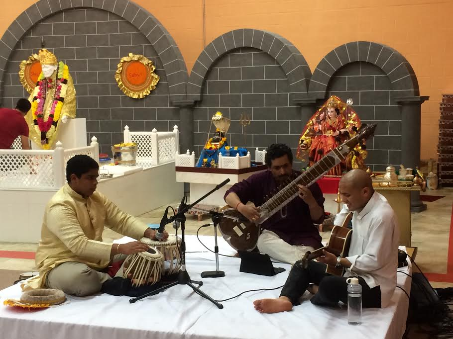 Jugalbandhi Of Sitarist Mani Akella And Guitarist Priyant Sundas Hold Audience Spellbound