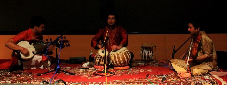 Carnatic Violin-Hindustani Sarod Jugalbandi – A Spontaneous Musical Conversation