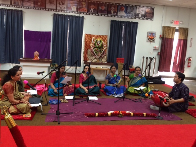 Shri Dwarkamai Vidhyapeeth Welcomes Hindu New Year With All Day Bhajan Utsav