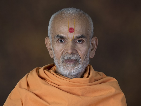 His Holiness Mahant Swami Takes Over As Sixth Spiritual Guru Of The BAPS Swaminarayan Sanstha