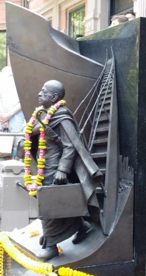 Unveiling Of Srila Prabhupada's Brass Statue