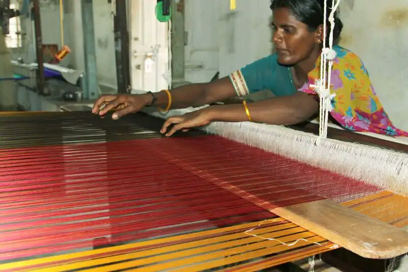 BharatSthali Handloom Fabrics: Bringing Handlooms Back To Mainstream