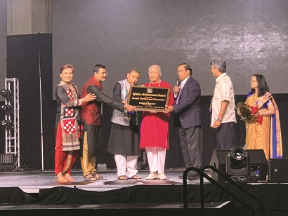 Hari Prasad Chaurasia Felicitated At Odisha Society Of Americas' Golden Jubilee Convention