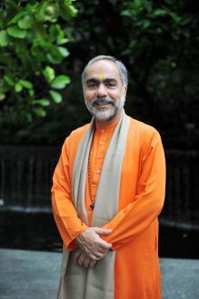 Bhagavad Gita Discourses By Pujya Swami Swaroopananda Ji