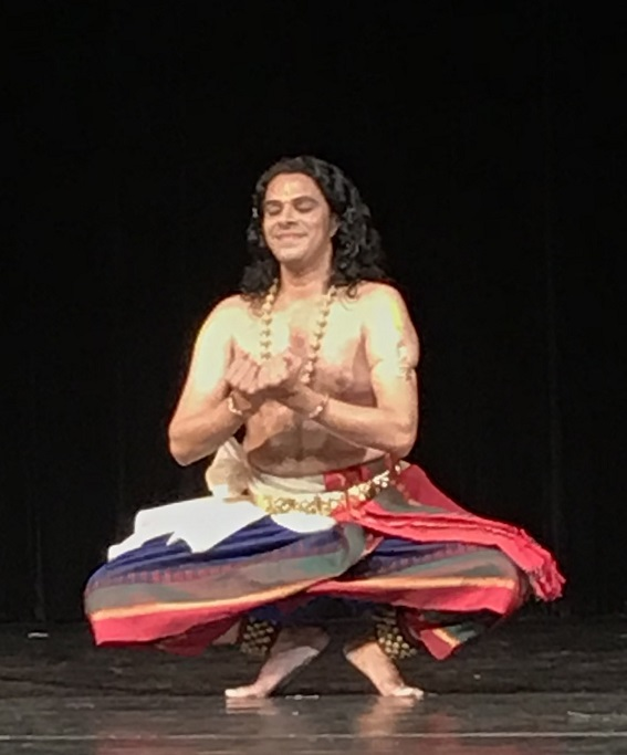 Stirring Bharatanatyam Performances By Soumya Rajaram And <br>Sheejith Krishna Bind The Audience In A Spell