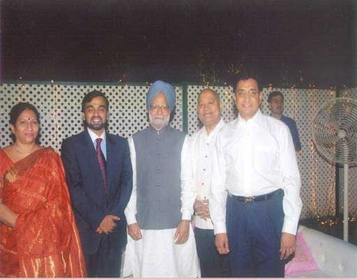 Prime Minister Manmohan Singh With Reddy and Kota At Celebration ...