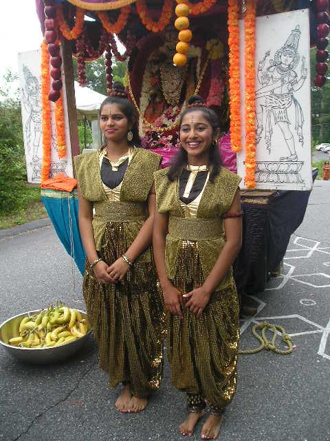 Dance Teachers Offer Prayer To Nataraja