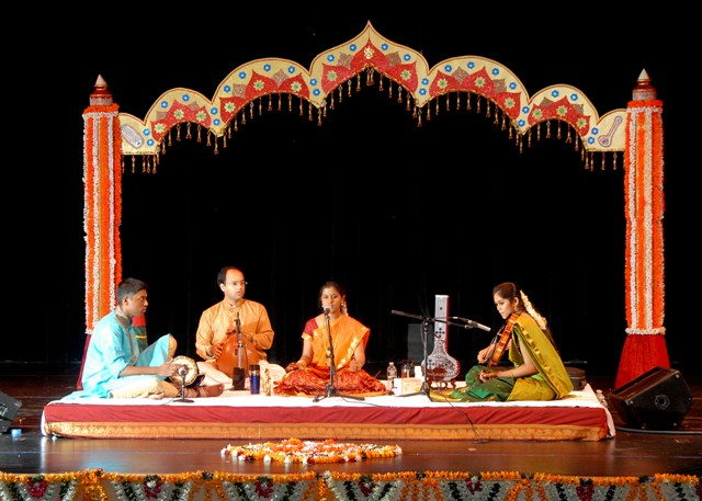 Bharatanatyam arangetram stage decorations for Arangetram stage decoration ideas