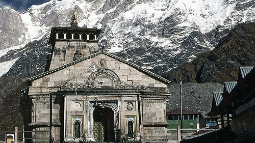 https://sg-dae.kxcdn.com/blog/wp-content/uploads/2014/03/kedarnath-temple-and-mountain.jpg