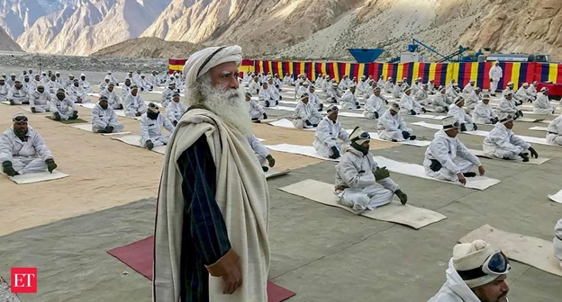 Image result for Sadhguru Jaggi Vasudev imparts yoga to soldiers at Siachen base camp